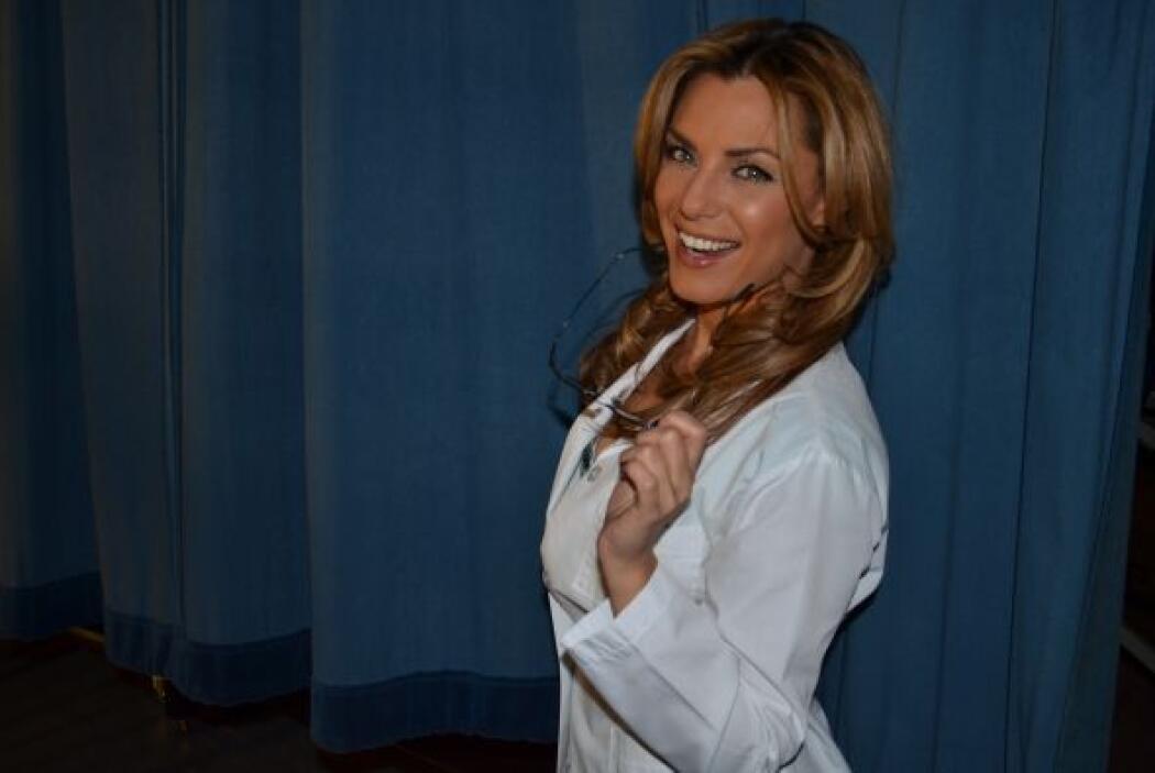 Todos desearían tener a una enfermera como ella, que alivie hasta el mal...