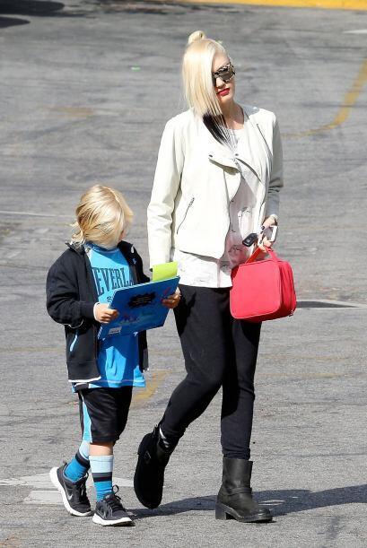 Gwen es una de las pocas famosa que se atreven a lucir tendencias muy al...