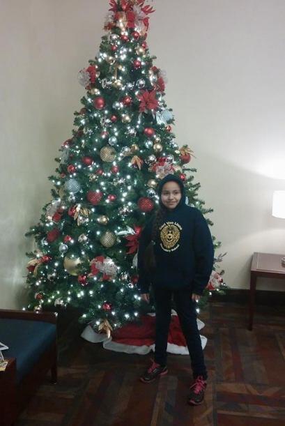 Selena Arce nos envió esta foto de su hija junto a un arbolito de...