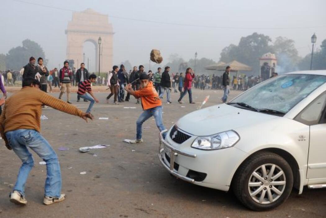 Los manifestantes trataban de llegar al recinto presidencial para presen...