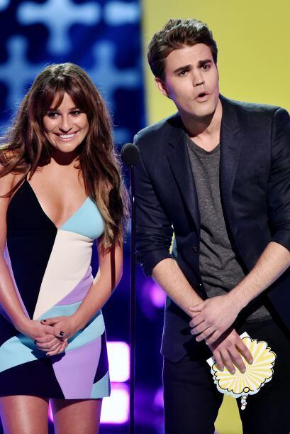 Lea Michele y Paul Wesley presentaron otro premio.