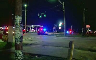 Dos muertos y decenas de heridos en tiroteo en discoteca de Fort Myers,...