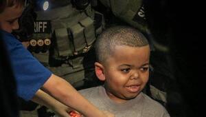 Oficiales del condado de Pasco sorprendieron al pequeño Spencer Holt qui...