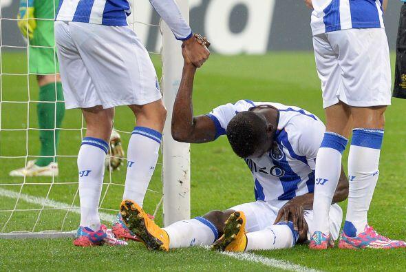 El Oporto vinó de atrás, y con dos goles de Jackson Martínez empataron 2-2.