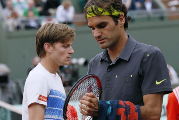 En un duelo entre el jugador más veterano del torneo (Federer 30 años y...