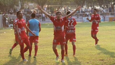 Juventud Independiente es líder y UES lucha por seguir en primera...