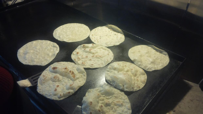 ¡Tortillas de Arizona se hacen famosas en el espacio!  IMG_20151222_1251...