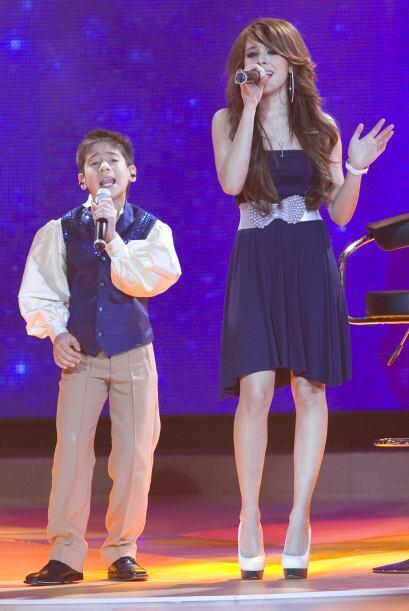 La cantante juvenil y Hiroshi hicieron un dueto muy bueno que le vali&oa...
