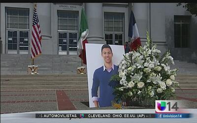 Vigilia para universitario de UC Berkeley que murió en atentados de Niza