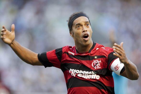 El hermano mayor de Ronaldinho, Roberto,  jugaba en el Gremio y fue quie...