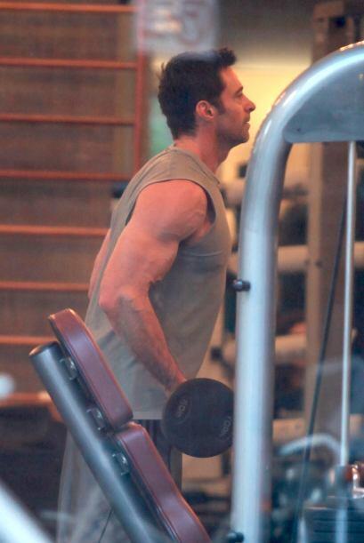 Quién lo hace calentar antes de entrar en acción en el gym.