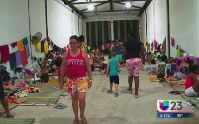 Desesperación crece entre cubanos varados en Colombia
