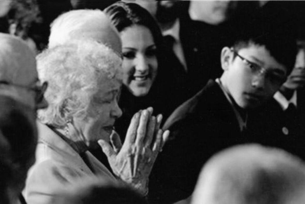 En la Casa Blanca: su madre. Kiley Sotomayor, Conner y Corey mientras el...