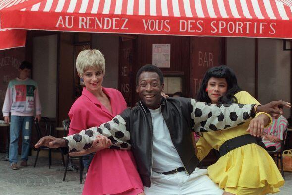En 1987 una firma francesa lo contrató para hacer una serie de av...