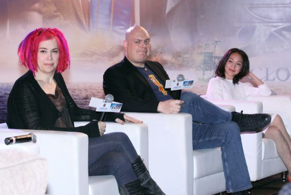 "Lana Wachowski La directora de ""Matrix"" (primera a la izquierda) reapare..."