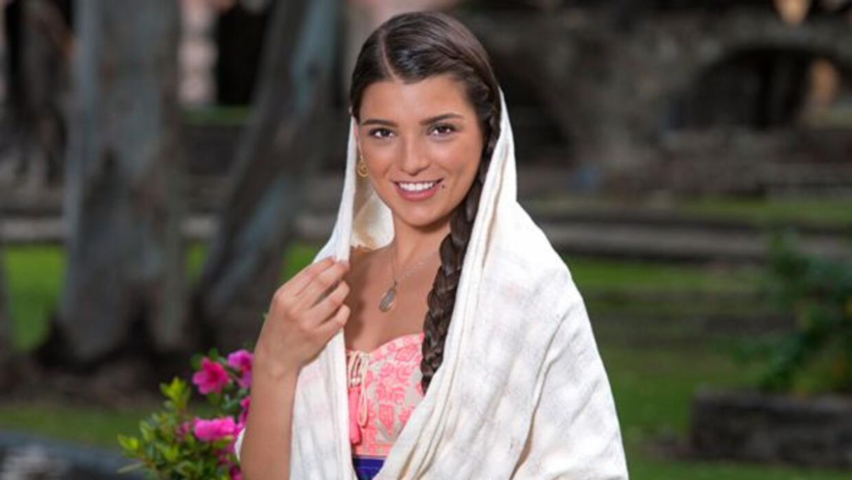 Es una mujer hermosa y comprometida con la educación. Nieta de Crescenci...