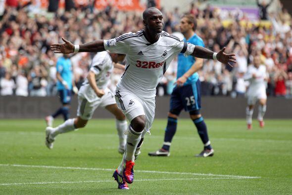 Con fuerza, goles y mucha concentración, Swansea suma puntos de oro en s...