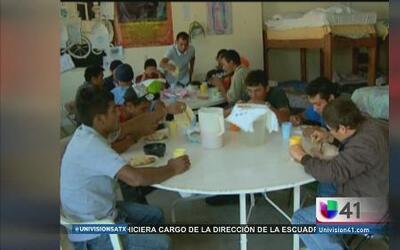 Migrantes reciben ayuda médica y alimenticia en su camino a Estados Unidos