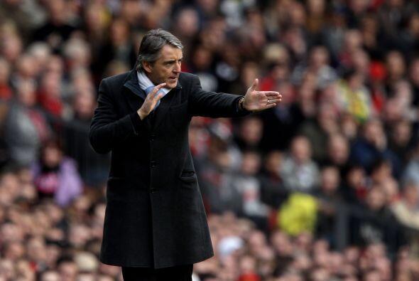 El DT del 'City', Mancini, se puso nervioso y comenzó a dar indicaciones...
