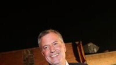 El candidato demócrata a la alcaldía y Defensor del Pueblo Bill de Blasi...