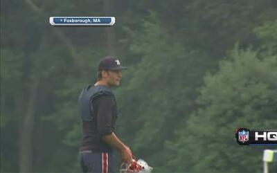 ¡Tom Brady está de regreso! A pesar de su suspensión, ya llegó a las prá...