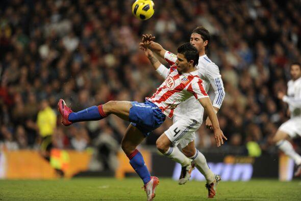 El empuje de jugadores como Sergio Agüero no bastó para el Atlético.