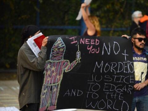 En tanto en México, también hubo protestas tanto en Cuernavaca como en l...