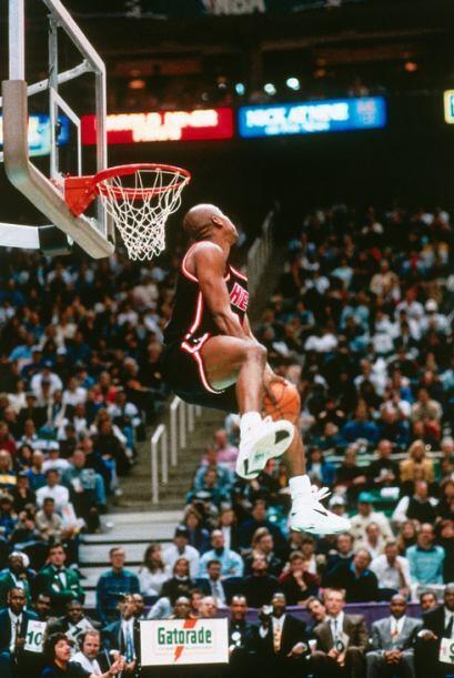 1993 - 1995 - Harold Miner de los Heat de Miami se lució durante los con...
