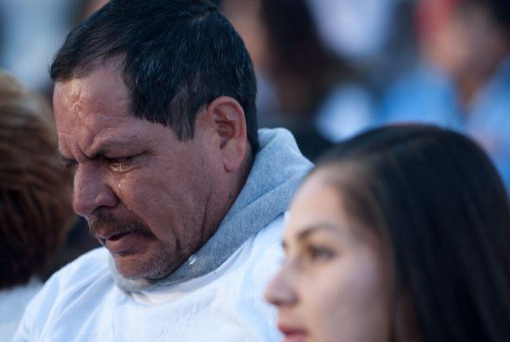 En un acto de solidaridad, las familias de las víctimas se unieron para...