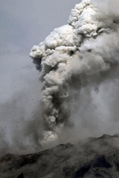 El volcán que se ubica a 135 kilómetros al sur de Quito había pasado al...