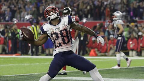 James White hizo el touchdown de la victoria para los Patriots.