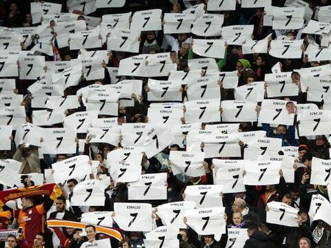 El Estadio Santiago Bernabéu se unió para homenajear a Cri...