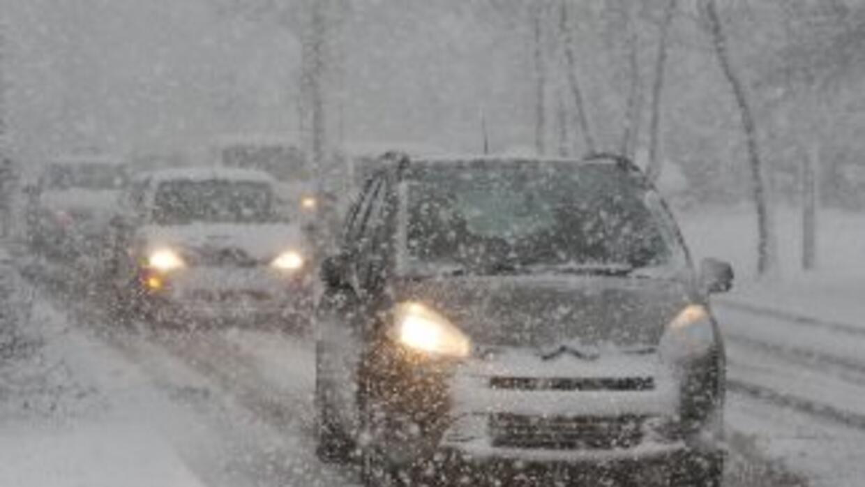 Centenares de conductores quedaron atrapados en una carretera importante...