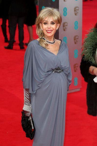 Nosotros no supimos qué pensar del 'outfit' de la mítica actriz Sally Fa...