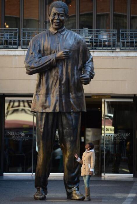 Nelson Rolihlahla Mandela conocido en su país, Sudáfrica, como Madiba, r...