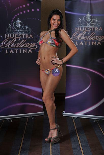 Nashlly Sokoll tiene 19 años y es originaria de Ecuador. Esta estudiante...