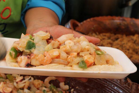 Doña Sonia prepara delicias con camarones, pulpo y jaiba.
