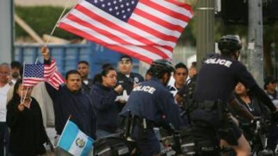 La AB 1081 impone límites al programa federal Comunidades Seguras que co...