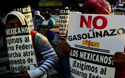 """Resultado de imagen de El 'gasolinazo' no es para programas sociales, es para la corrupción"""""""