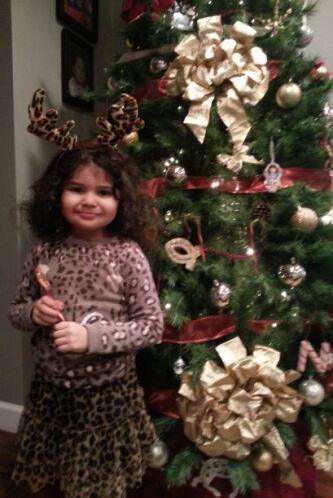 Mari García nos envió una foto de su pequeña Kairi Nava posando juno al...