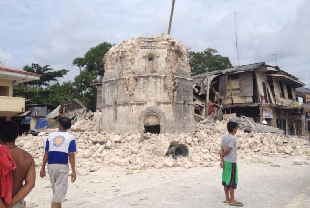El terremoto ha dejado importantes daños en las infraestructuras de la z...