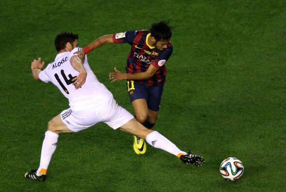 Así se consumieron los minutos del primer tiempo, con un Barcelon...
