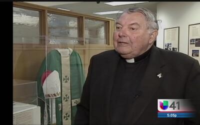 Fallece el monseñor Lawrence Stuebben, figura clave para la iglesia cató...
