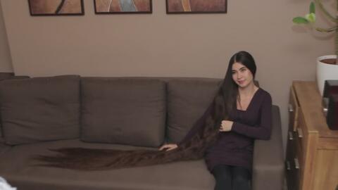 La 'Rapunzel' de la vida real: el cabello de una joven en Letonia mide m...