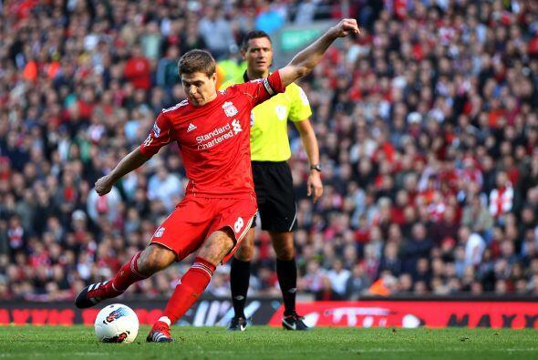 Gerrard fue el encargado de ejecutarlo y no defraudó.