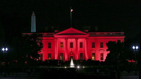 La Casa Blanca se vistió de rosado por una buena causa