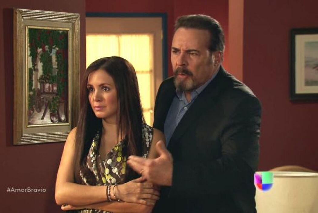 Natalia lleva a Dionisio ante su mamá para intentar aclarar sus dudas pe...