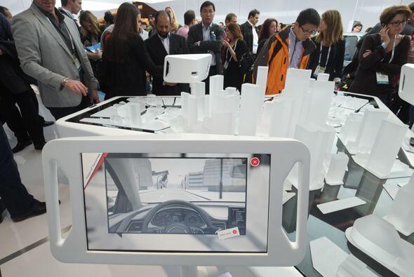 Audi mostró la tableta que incluirá en sus modelos de lujo.