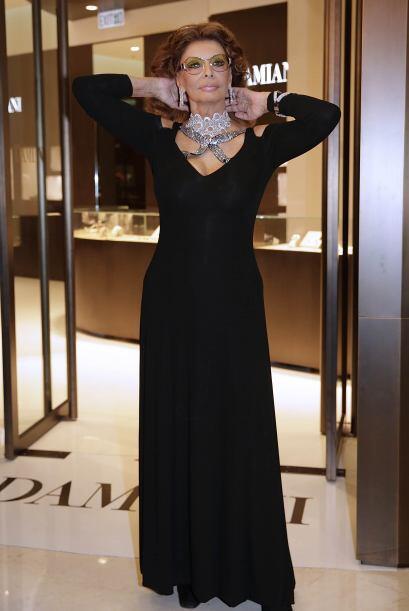 A sus 78 años, Sophia Loren se divierte con las últimas te...