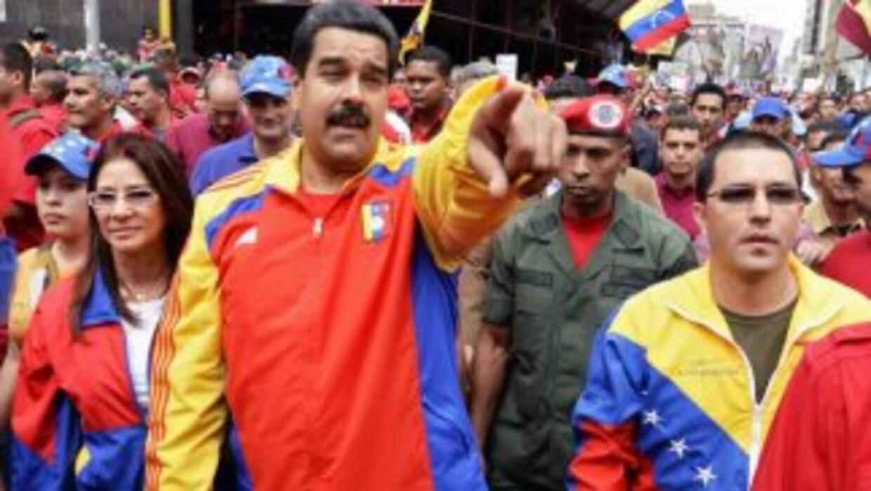 "Nicolás Maduro llamó ""asesina"" a Machado a quien acusas de encabezar un..."